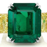Natural 32.59 Ct Magnificent Emerald and Diamond Ring