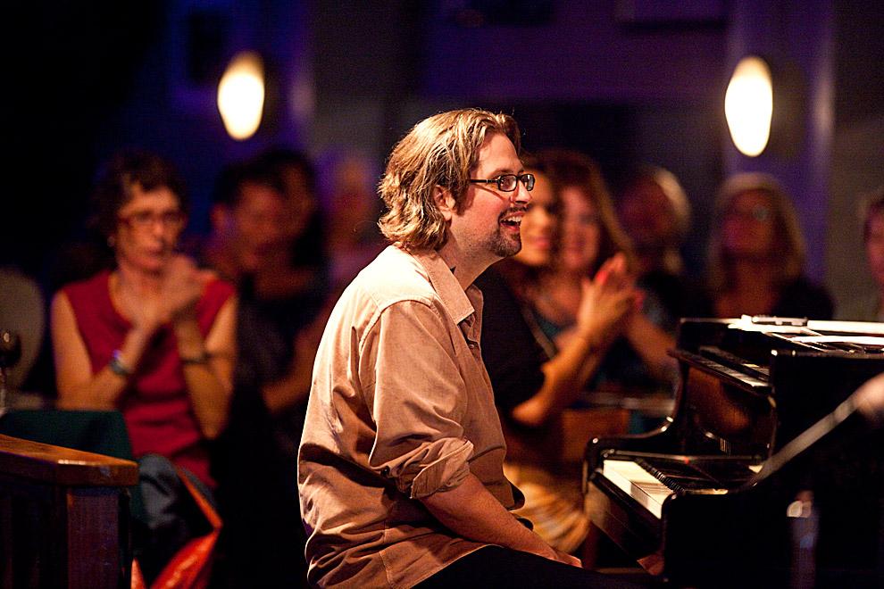 jazz-photo-travis-smile