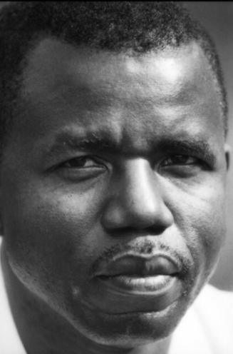 Chinua Achebe Nigeria 1970- Stephen Goldblatt