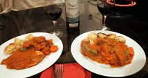 Chicken in pepian sauce with veg and roast potatoes