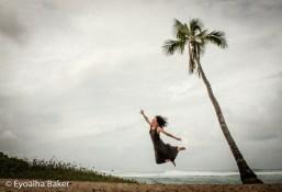 Eyoälha Baker jumping selfie