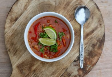 Fat-Free Spicy Brown Rice and Tomato Soup