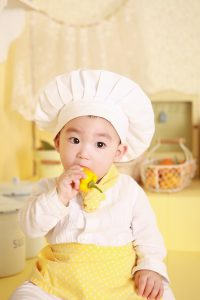 Children are more likely to make healtheir eating choices and try new things when they help cook.