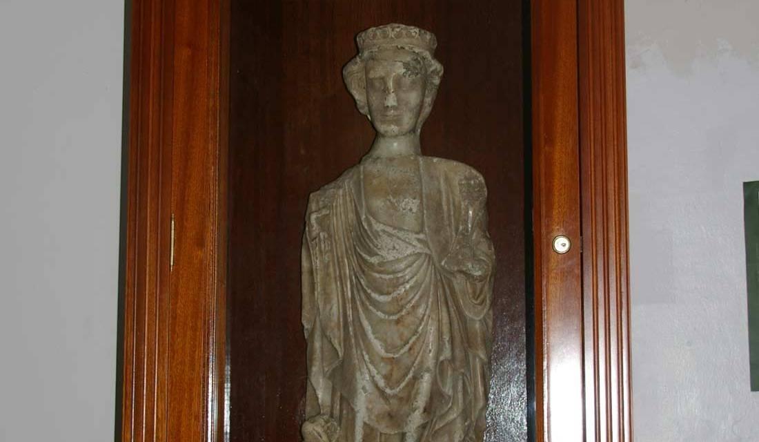 Una imagen de alabastro en la ermita de Santa ígueda