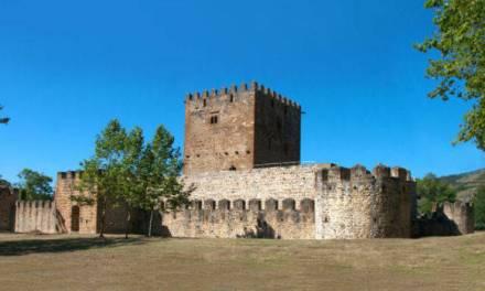 El Castillo de Muñatones, único en Bizkaia, al descubierto