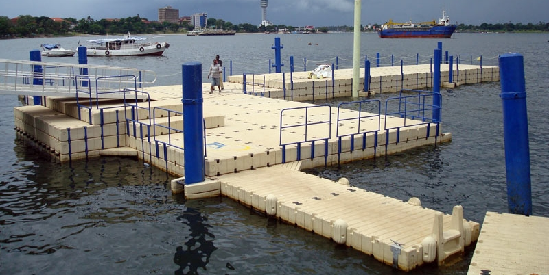floating docks -