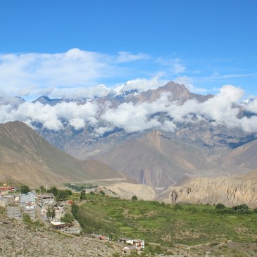 A Guide to Trekking to Upper Mustang