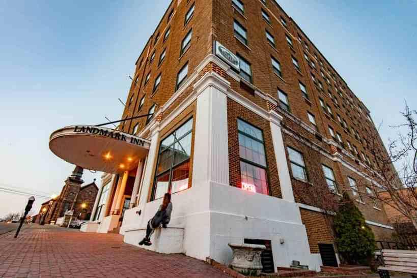 Marquette Hotels Landmark Inn