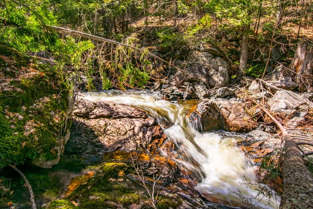UP of Michigan: Little Garlic Falls Hike Guide 2020