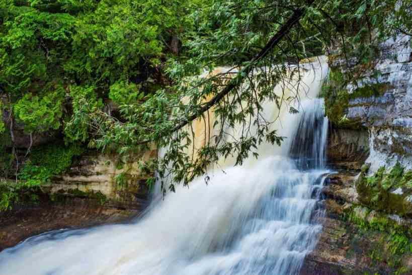 Michigan Waterfalls: Laughing Whitefish Falls