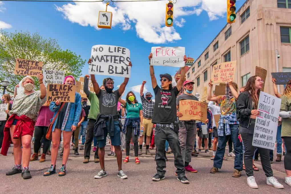 Michigan Protests Today in Marquette, MI (Photos)
