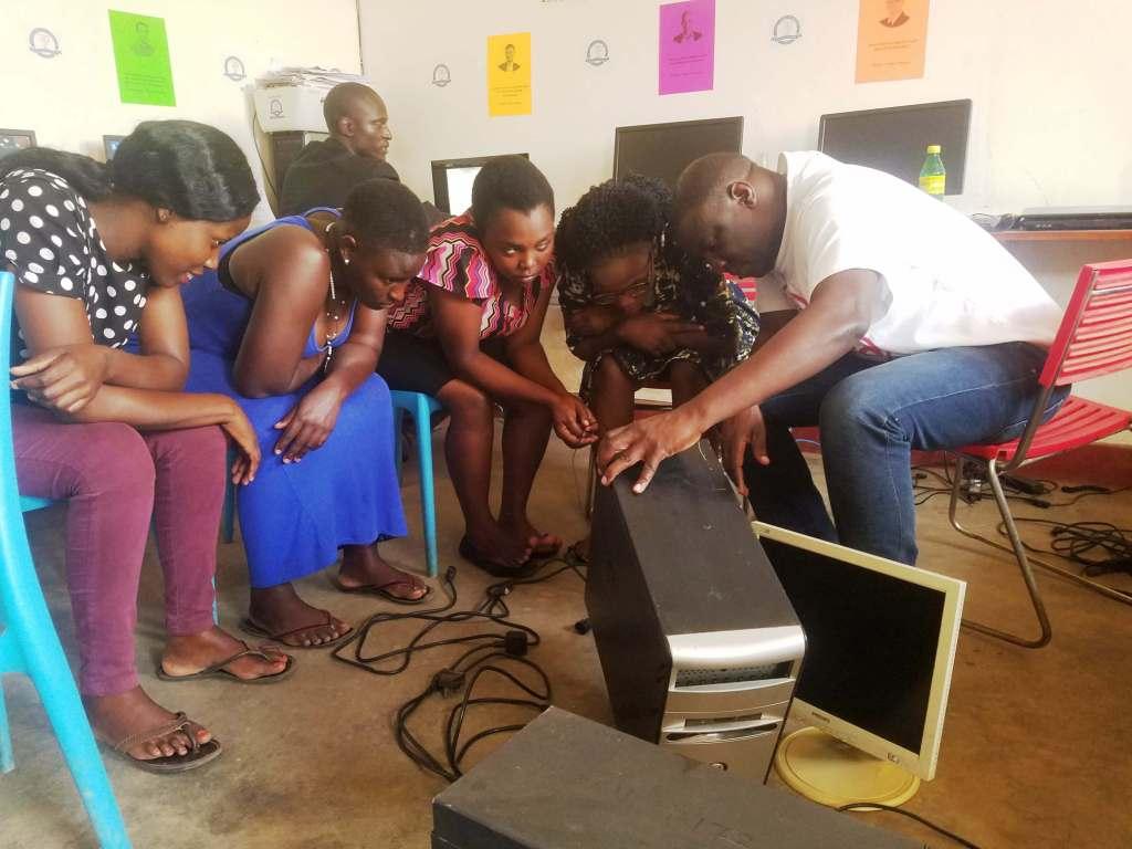 E-zone School of Computing - WOmen in Technology 1 (5)