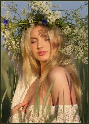 Венок у славян всегда считался мощным оберегом и необходимым атрибутом для привлечения женихов.