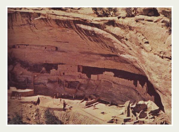 Каньон с индейским поселением Красивая деревня