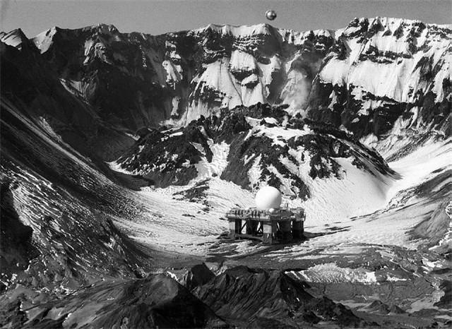 Baza-211-v-Antarktide