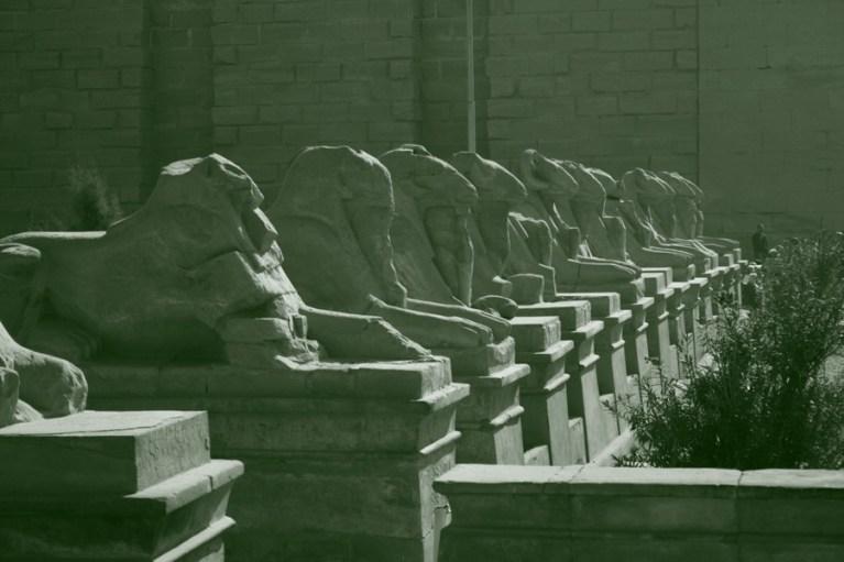 Египетские статуи хранят много загадок