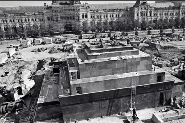 Реставрация облицовки Мавзолея им. В. И. Ленина. 1974 г