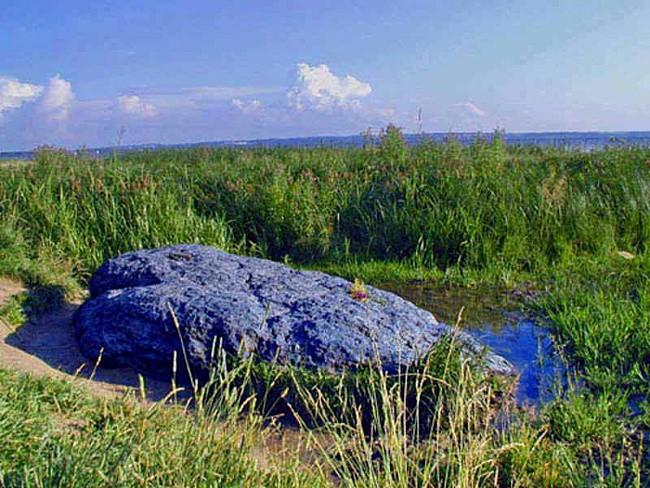 культовые камни. синий камень