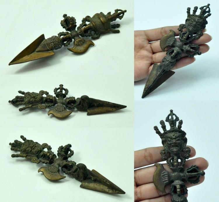 Классическая пурба – это трехгранный кинжал с коротким лезвием и массивной, богато украшенной рукояткой.