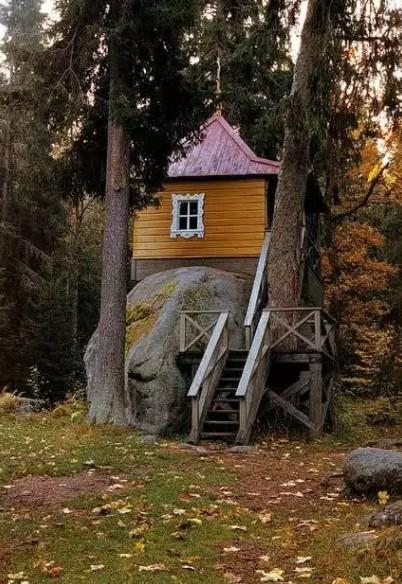 Конь камень в России