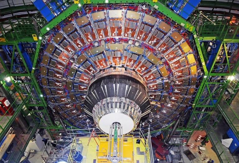 Большой адронный коллайдер. Миф и реальная опасность