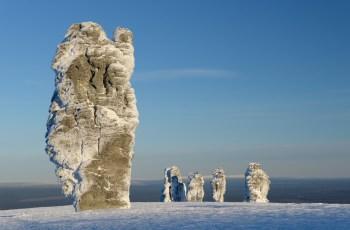Плато Маньпупунёр в России. Каменные столбы причудливых форм