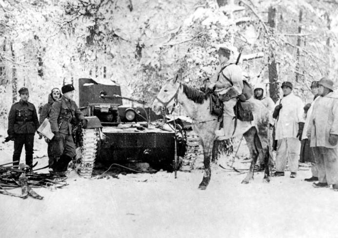 В условиях угрозы герм. агрессии сов. руководство предложило в 1938 фин. правительству