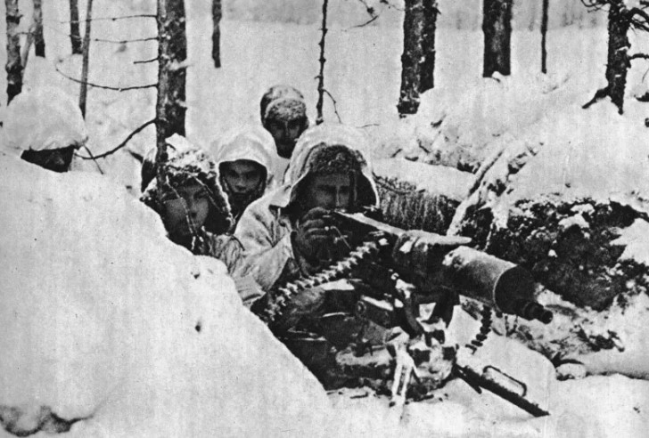 Советско-финская война между СССР и Финляндией проходила с 30 ноября 1939 по 12 марта 1940 года
