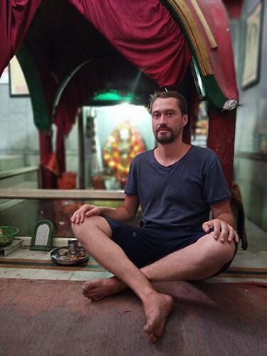 Буддистский храм в Манди. Микс с индуизмом
