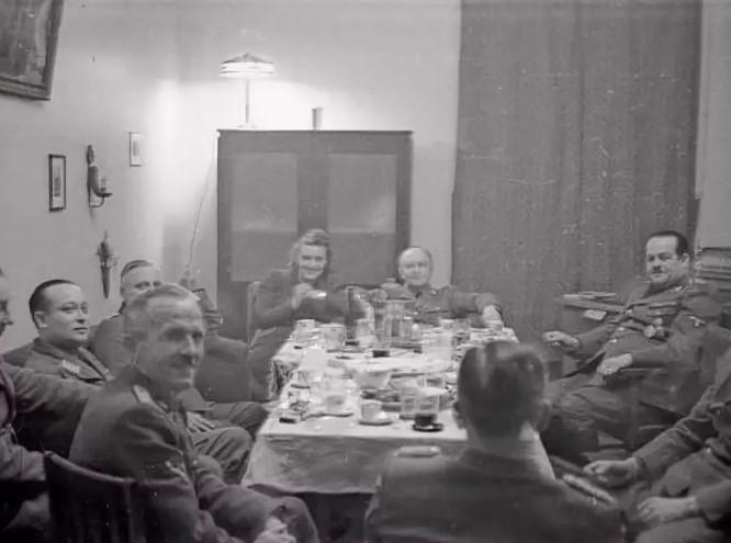 немцы в Минске 1942