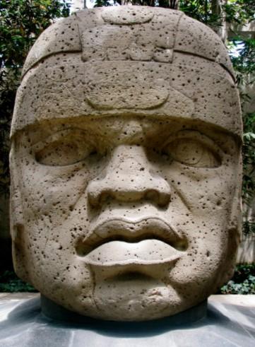 Головы ольмеков. Кость древнего великана