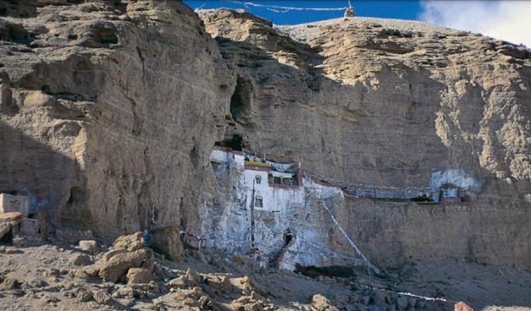 Пещерный монастырь Гуругьем