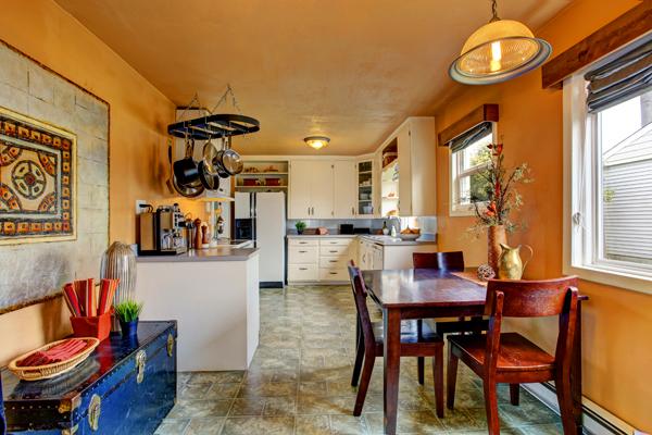 apartment-shutterstock_207713260