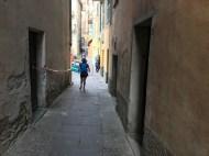 'arrivée dans les rues de la ville