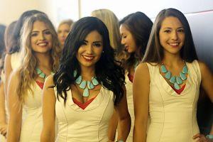 Photo-3 / Grid Girls at Formula One World Championship, Rd16, United States Grand Prix, Austin, Texas, USA