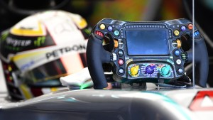 Lewis Hamilton (GBR) Mercedes-Benz F1 W07 Hybrid steering wheel at Formula One World Championship, Rd16, Malaysian Grand Prix, Practice, Sepang, Malaysia, Friday 30 September 2016. © Sutton Images