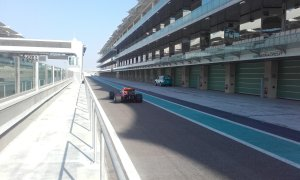 pic-9 / SEVENTH TEST WITH RED BULL RACING: Pierre Gasly tests at Yas Marina Circuit, Yas Island, Abu Dhabi, United Arab Emirates, THE WIDER TYRES FOR 2017 SEASON