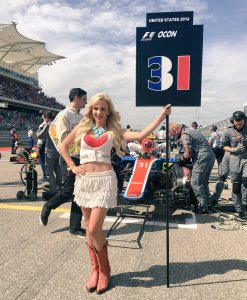 Grid girl at Formula One World Championship, Rd18, United States Grand Prix, Race, Circuit of the Americas, Austin, Texas, USA, Sunday 23 October 2016. © Manor Racing Team