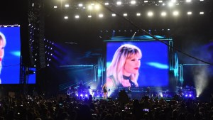 Taylor Swift (USA) in concert at Formula One World Championship, Rd18, United States Grand Prix, Qualifying, Circuit of the Americas, Austin, Texas, USA, Saturday 22 October 2016. © Sutton Images