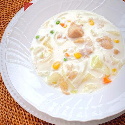 レタスと鶏肉の和風クリームスープ