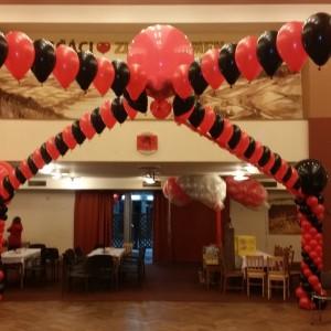 Dalonkový strop s vybuchujícím balónem