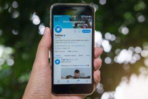 Twitter pourrait intégrer de nouvelles réactions, similaires à Facebook