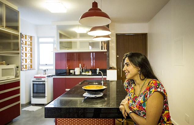 Ana Moraes Coelho comprou um apartamento no meio do ano em um predio da década de 1970 e trocou as partes elétrica e hidráulica