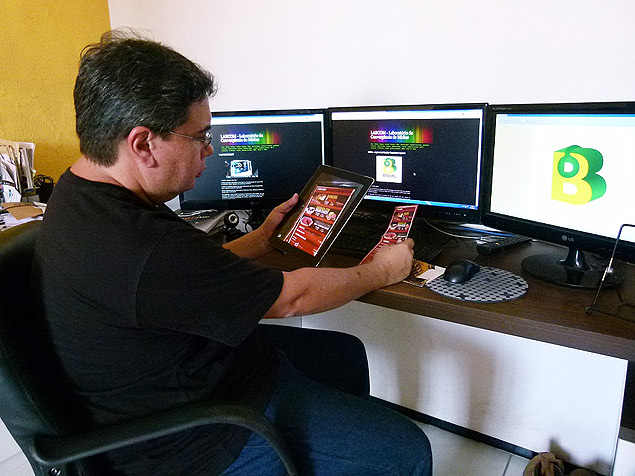 Professor Márcio mostra como aplicativo desenvolvido pelo Labcom da Universidade Federal do Maranhão traduz cardápios