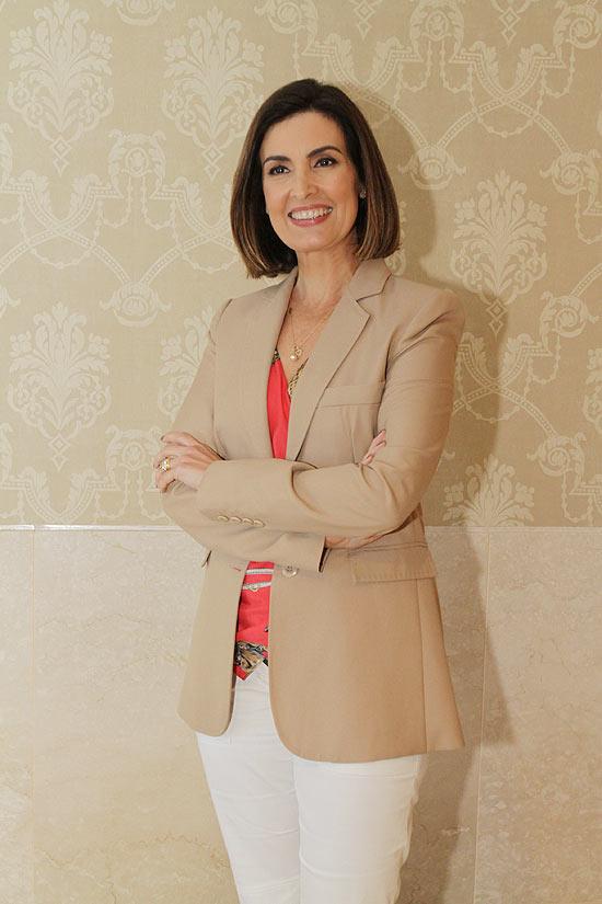 """A jornalista Fátima Bernardes, cujo novo programa pode absorver o """"Mais Você"""" e o """"Bem Estar"""" como quadros"""