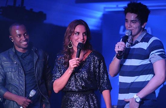 Ivete Sangalo (ao centro), ladeada por Thiaguinho (esq.) e Luan Santana (dir.); os três farão show no domingo em São Paulo