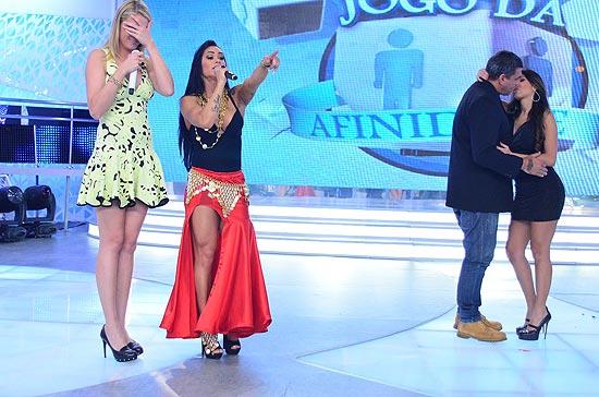 Alexandre Frota e Fabiana Rodrigues apimentam o Jogo da Afinidade do Tudo é Possível