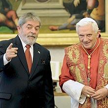 No Vaticano, Lula se encontra com o papa Bento 16 e discutem projeto para igreja