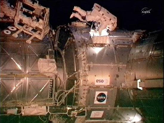 Sensor de dióxido de carbono do traje do astronauta Greg Chamitoff parou de funcionar