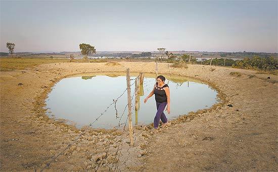 Maria Ribeiro dos Santos, moradora de sítio próximo à área de preservação do lago Descoberto
